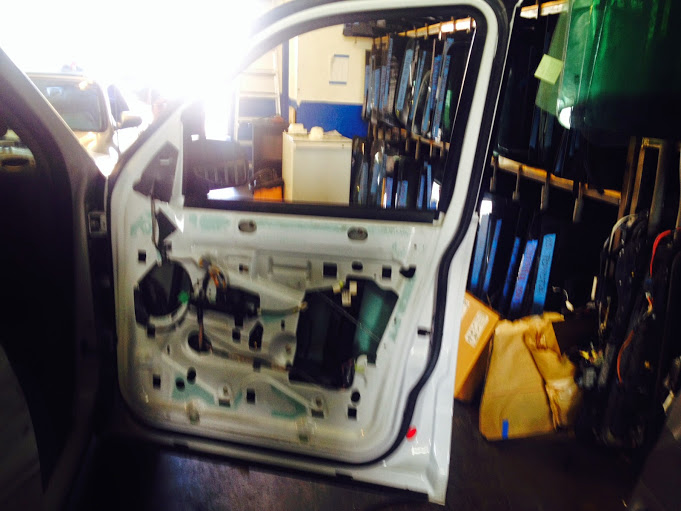 AUTO ELECTRICAL WINDOW MECHANISIM REPAIRS